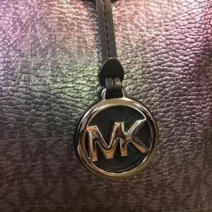 6429b5124199 Michael Kors Bags - Rare MICHAEL KORS VOYAGER Metallic HANDBAG WALLET